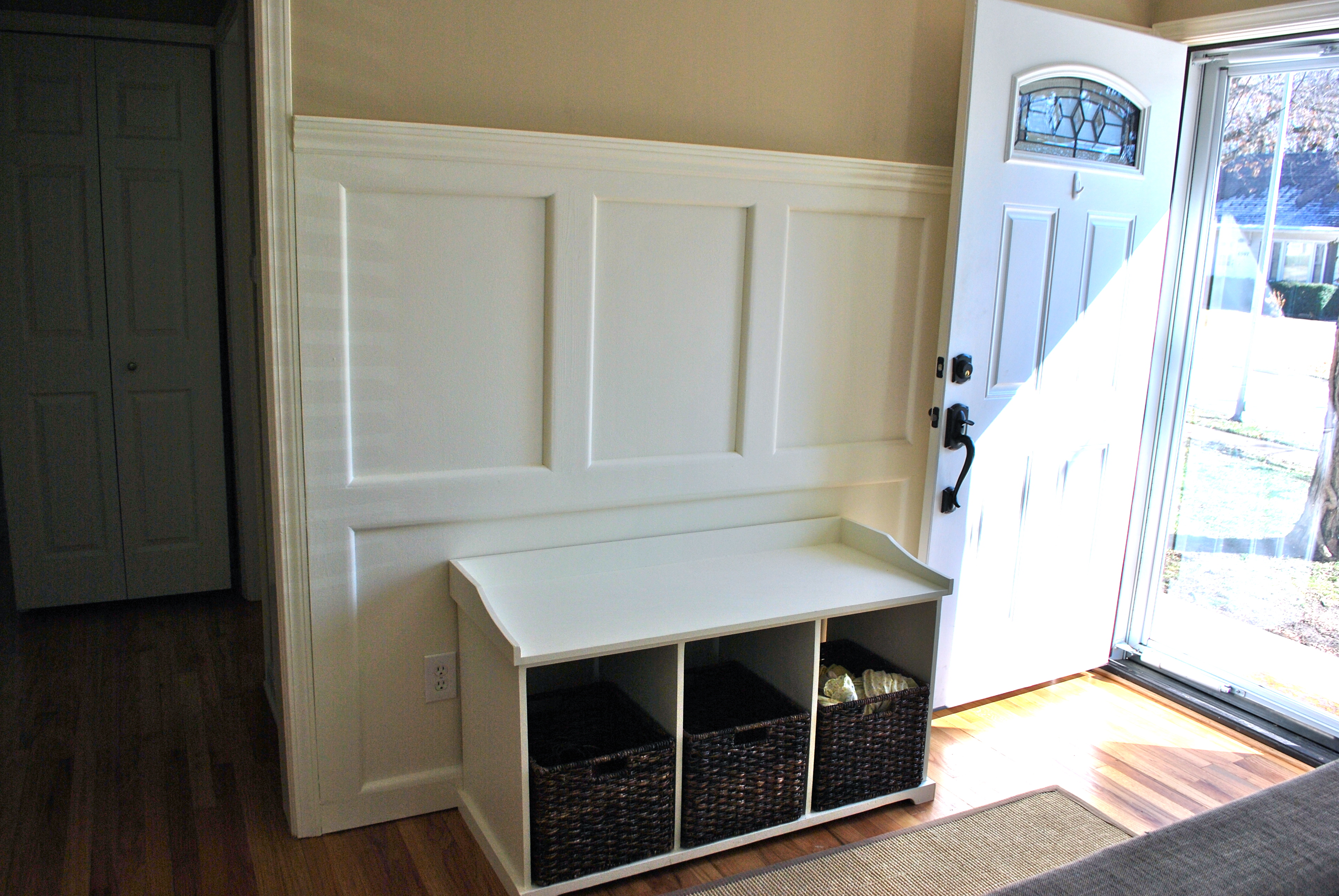 Entryway storage bench plans free for Mudroom plans free